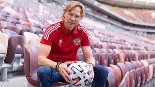 Первый день Валерия Карпина на посту главного тренера сборной 📹