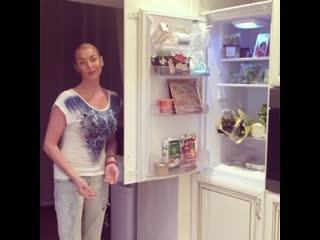 Анастасия Волочкова показала свой холодильник здорового питания