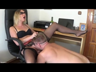 Бешенный куни и сквирт в рот своему мужу #facesitting #squirt #femdom #creamy #porno #pussylicking #cuminmouth cum in mouth sq