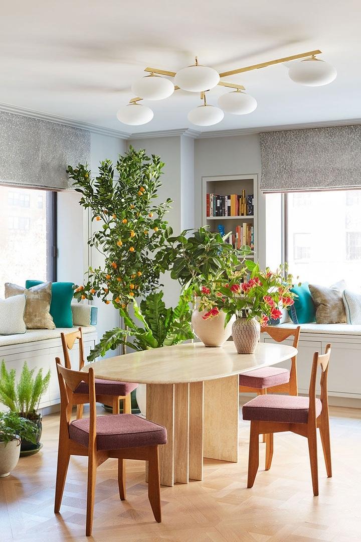 Яркая квартира с множеством растений в Нью-Йорке