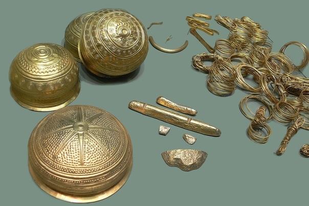 Эберсвальдский клад  крупнейшее собрание доисторических золотых изделий, когда-либо обнаруженное на территории Германии