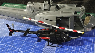 """Установка моторов в модель и расхламление  вертолета Bell-204  """"HobbyBoss"""" 1:18 /Helicopter/"""