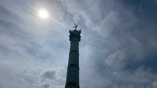 Live aus Paris Place de Bastille Marsch der Gelbwesten