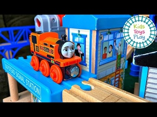 Kids Toys Play Thomas and Friends Wooden Railway Track Build