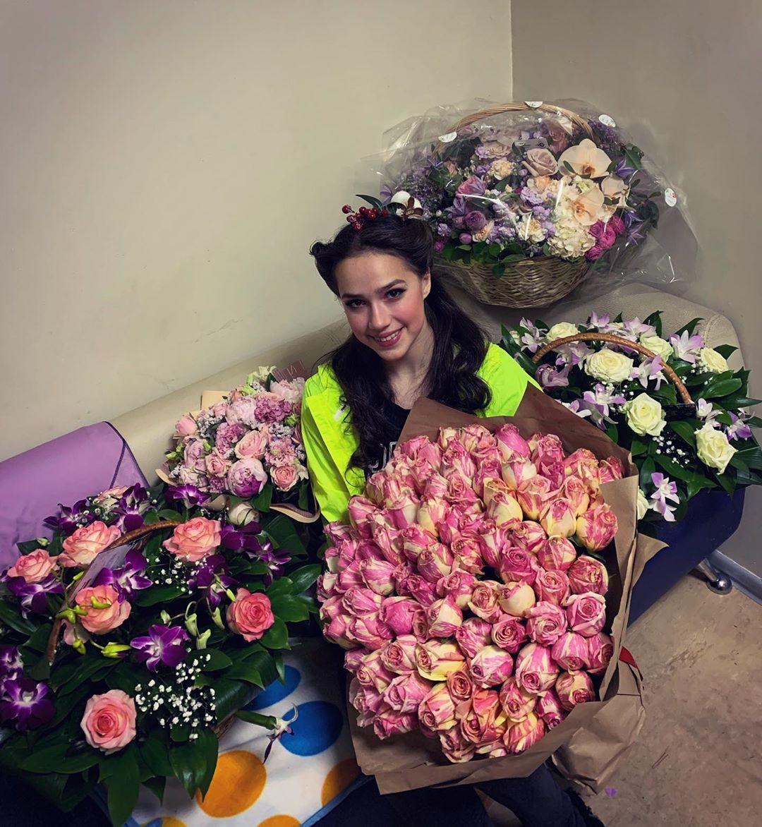 Алина Ильназовна Загитова-2   Олимпийская чемпионка - Страница 50 N21QzjowLgE