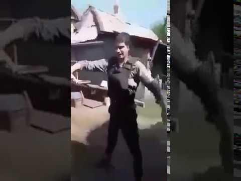 бойовик ЛНР Євген Орленко Домовой стріляє собі в живіт