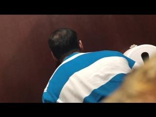 [g #rus #outdoor #suck] glory hole ufa #6 подглядел как сосут через дырку в соседней кабинке туалета