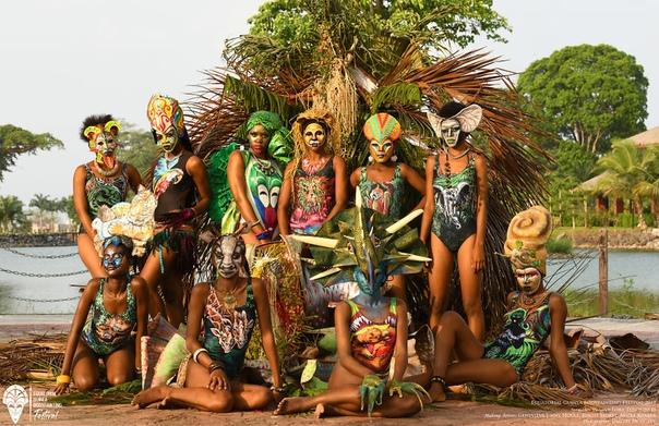 Яркие работы с фестиваля бодиарта в Гвинее