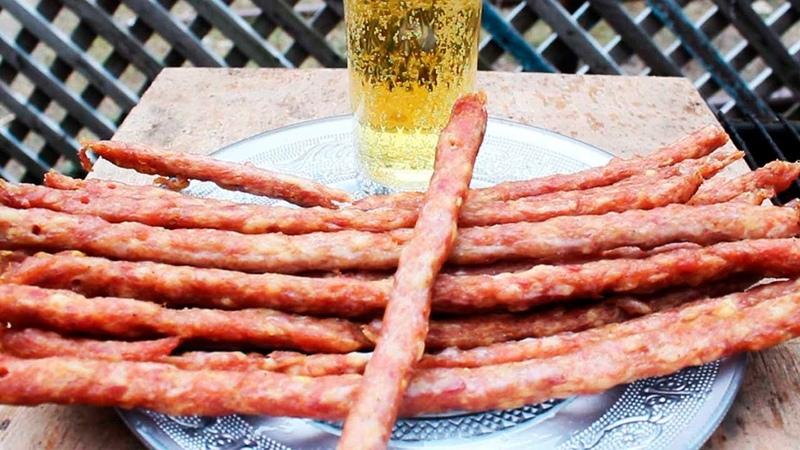 Пивчики сушено копченые кабаносы кнуты колбаски джерки к пиву копчено сушеные