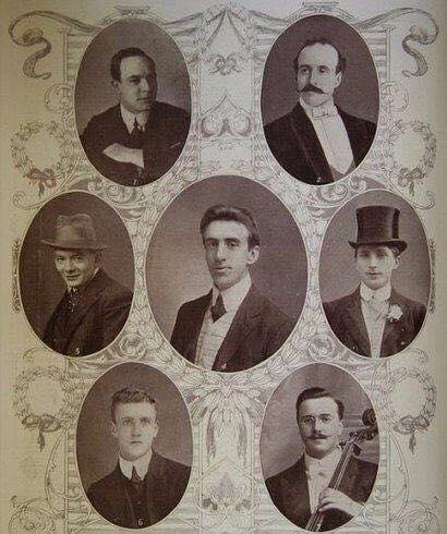 Отважный оркестр «Титаника» У оркестра «Титаника» было два состава. Квинтет возглавлял 33-летний британский скрипач Уоллас Хартли, в него входили еще один скрипач, контрабасист и два