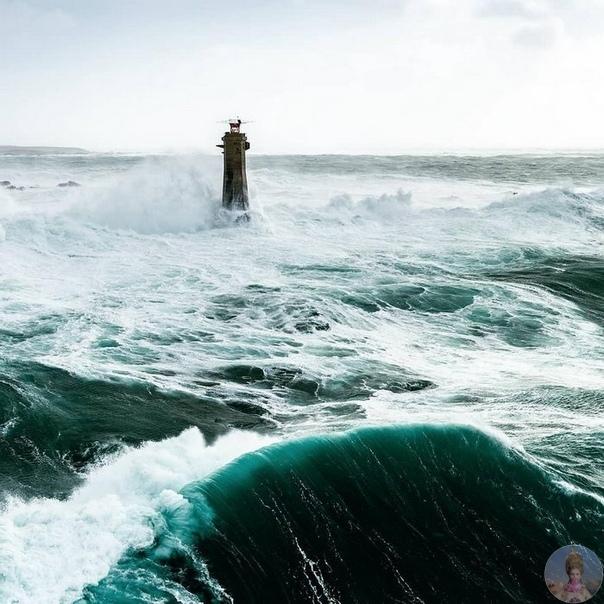 Океан, ветер и маяки - красота!