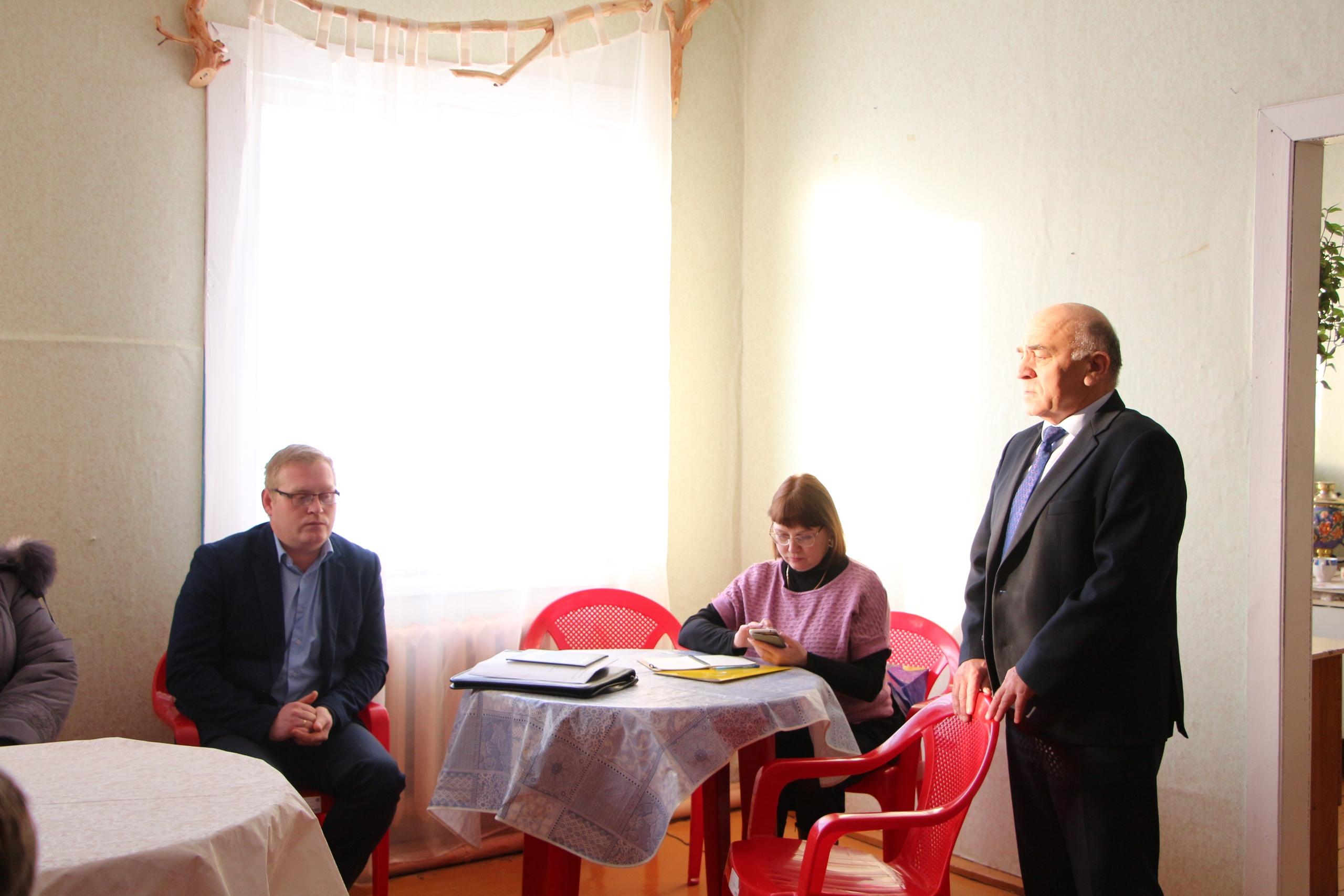 Николай Жилин провел встречу с жителями села Ертом.