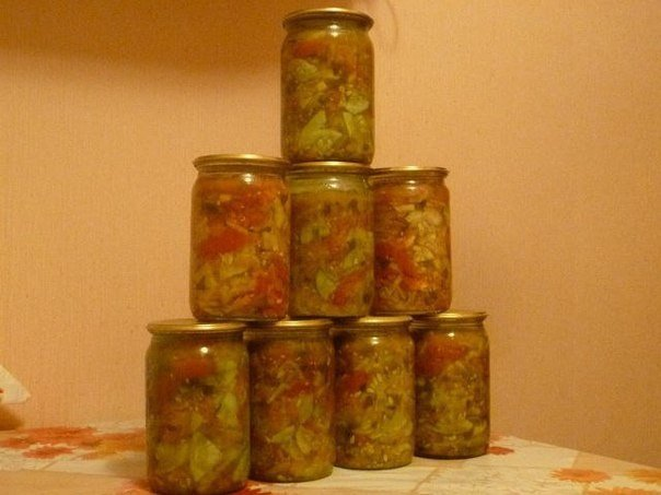 """Салат из помидоров и огурцов """"Весенний""""  Продукты: 1,2 кг помидоров, 1,2..."""
