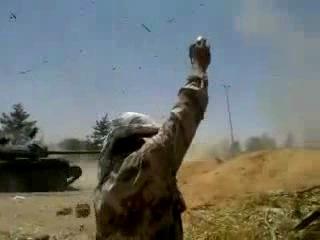 взрыв снаряда внутри танка