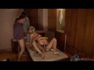 Laura Crystal - Escort Does Double Vaginal (gruppovushka)