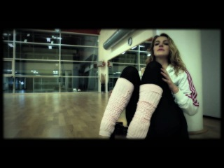 Claudia Gerini - Maniac  [Official Video]