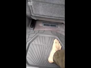 Как правильно садиться в машину