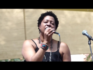 Lisa-Fischer-How-Can-I-Ease-The-Pain-Brooklyn-NY-8.7.14