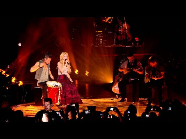 Shakira - Nothing Else Matters/Despedida Medley (Live from Paris)
