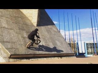 "Nikita on Instagram: ""#ленэкспо#тепло#day#niggasbelike#nigga#niga#style#street#подкат#стиль#стрит#bmx##ride#bike#paradisebmx#halfcab#fakie#barspin#bar#180#wall#wallride#top#walltop#"""