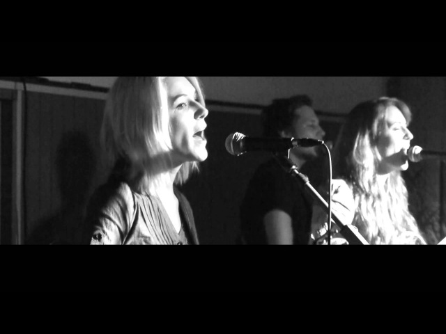 Friday on my Mind - MonaLisa Twins (Easybeats Cover)