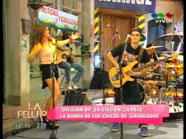 Natalie Pérez Gastón Soffriti y Diego Mesaglio en la pelu presentaron su banda DIVISION 89