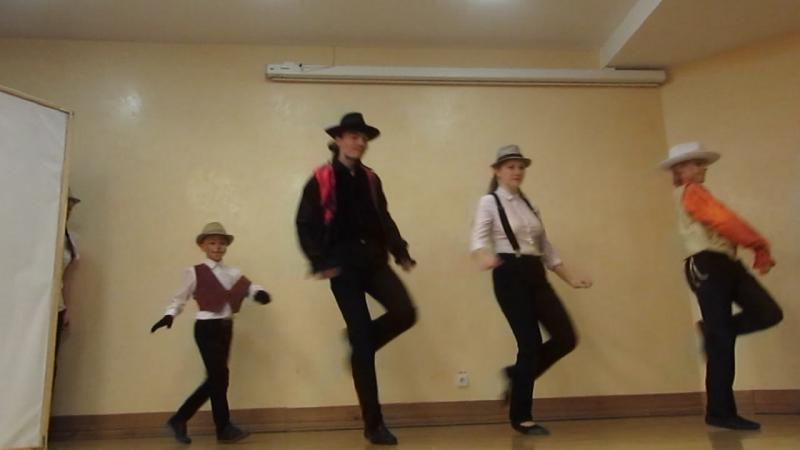 фрагмент спектакля Рыжий честный влюбленный танец лис