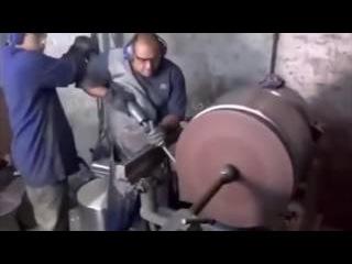 Удивительная работа с металлом на токарном станке