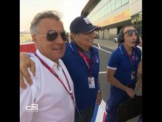 Крутые гонщики Жан Алези и Нельсон Пике радуются совместному  подиуму сыновей в GP3.
