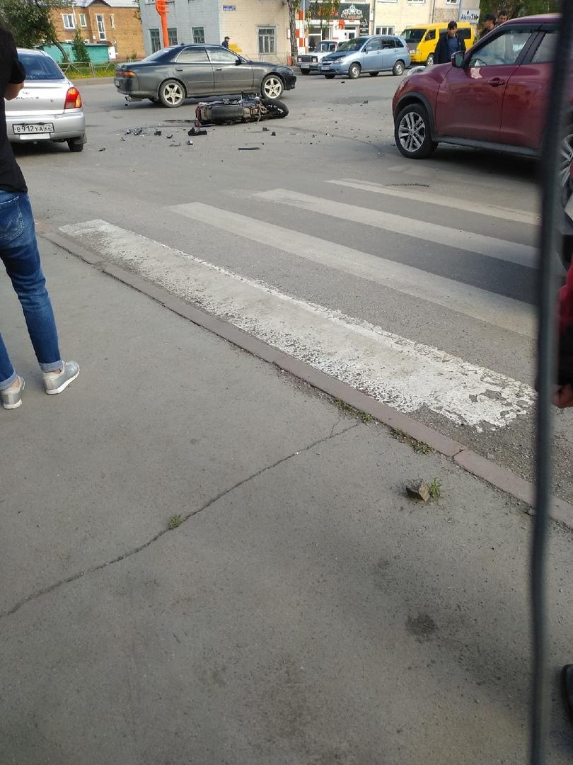 CLkTncdGoYE - ДТП на перекрёстке Ленина и Толстого