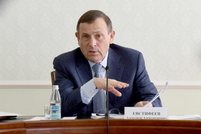 Глава Марий Эл обсудил с правительством поддержку молодежи и многодетных семей