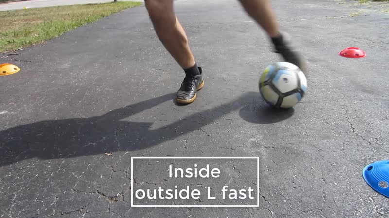 How To Get Good Footwork For Soccer - 16 Quick Feet Drills)