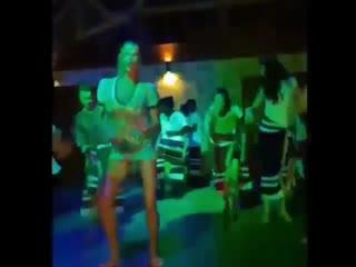 Анастасия Волочкова отжигает на дискотеке