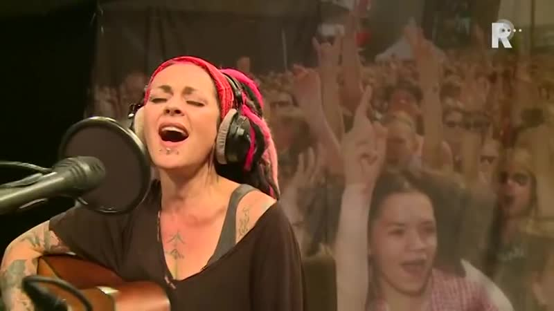 Dilana Smith - Silver ashes (Live uit Lloyd)