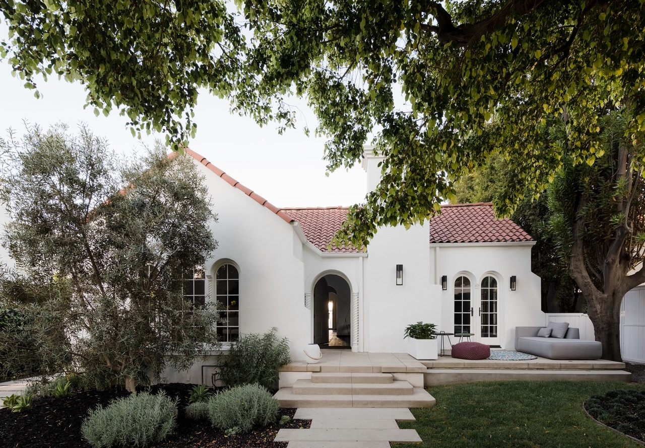 Spanish Colonial house in Los Angeles receives major update by Síol Studios