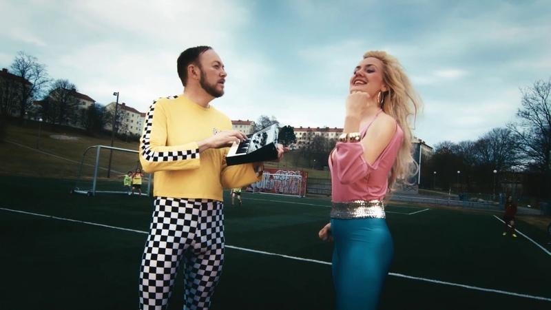 FRANCESCA E LUIGI - The Stand (The World Cup Song) (2018)