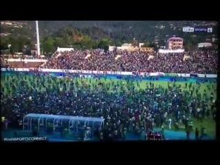 Фаны Коморских Островов выбежали на поле после 0:0 с Египтом