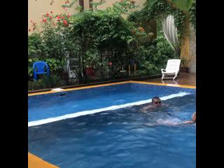 Летний дождь-ещё один повод поплескаться в бассейне!#Витязево#Ирийскийсад