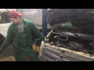 Что должен сделать авто механик,что бы заработать на чизбургер))))
