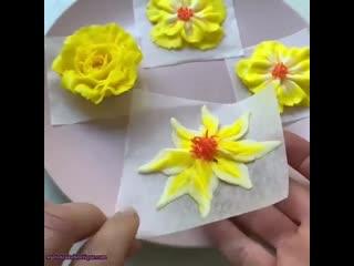 Видео-урок по созданию Кремовых Цветов