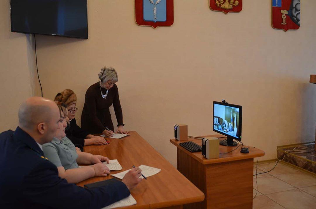 В администрации Петровского района в формате видеосвязи состоялся приём специалистов юридической клиники