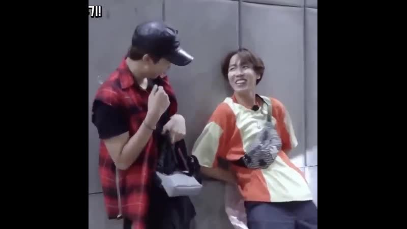 I still refuse to believe that Hoseok got so scared of THIS 6 year old jungkook