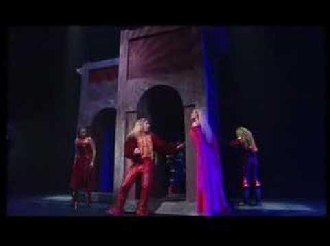 C'est pas ma faute It's not my fault Romeo Juliet live
