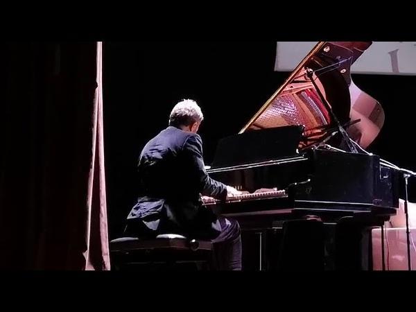 Stéphane Blet live in Gaziantep Hasan Kalyoncu Űniversitesi. (Chopin Elveda Valsı, extract)