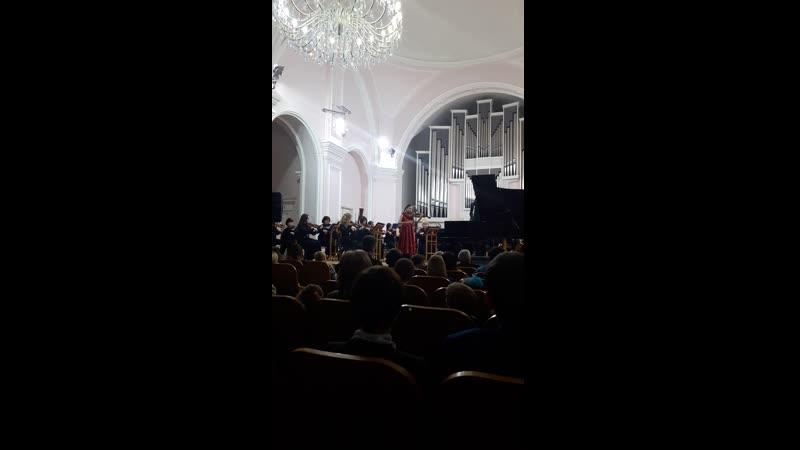 Дети играют с оркестром Евсюкова Кристина 2016 год