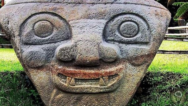 ЗАГАДОЧНЫЕ СТАТУИ ДОЛИНЫ САН-АГУСТИН Южная Америка хранит множество тайн и загадок. Величественные пирамиды ацтеков и инков, странные и пугающие подземные катакомбы неведомых цивилизаций. И -
