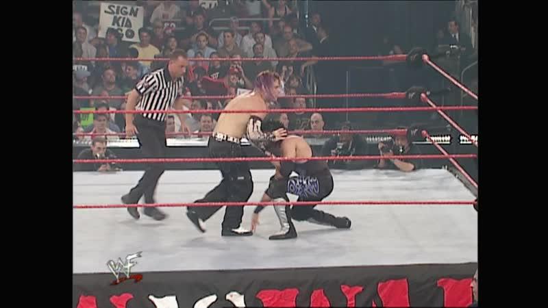 WWF Raw Is War 25.06.2001 - X-Pac vs Jeff Hardy