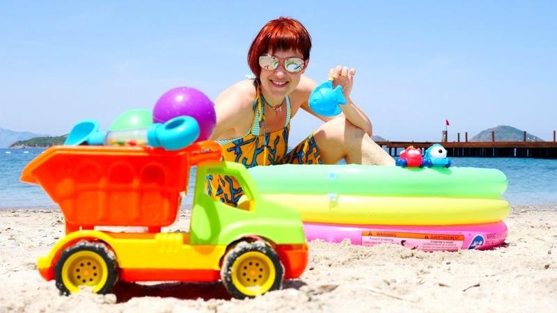 Les jeux de sable: comment faire un poisson à sable? Les petites voitures vont nager.
