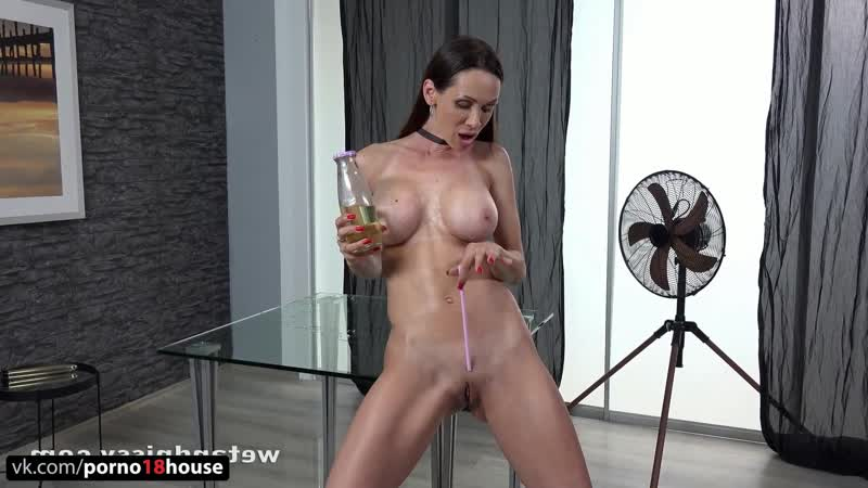 Cynthia Vellons Solo, Masturbation, Milf, Mature, Pussy, Pissing, Big