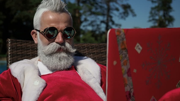 Plot - A popular job at this time of year is playing the part of Santa. But what does it take to be the perfect Father Christmas?